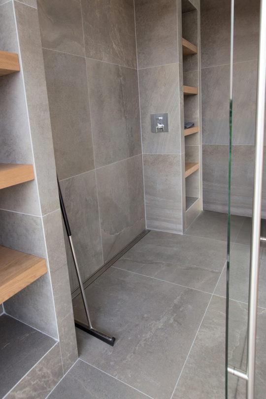 Tipps um ein kleines Badezimmer größer wirken zu lassen ...