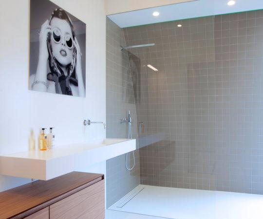 Welke Gietvloer Badkamer : Welk type douchegoot is geschikt voor welke badkamervloer? easy drain