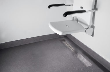 7 conseils pour créer une salle de bain sans danger