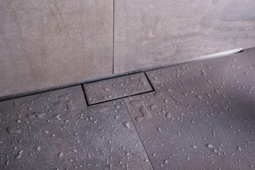 Easy drain waterstop