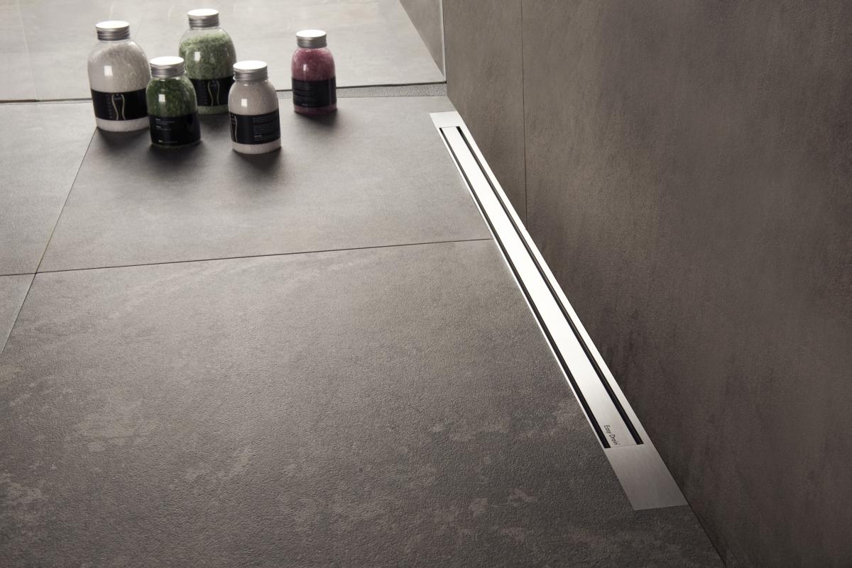 vorteile einer bodengleichen dusche easy drain. Black Bedroom Furniture Sets. Home Design Ideas