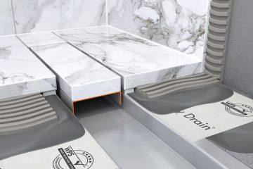 Rahmenloses Design für Naturstein im Badezimmer