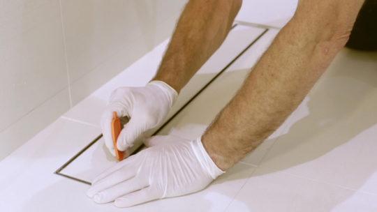 Limpia el azulejo de la misma forma que el suelo f0323fa02020