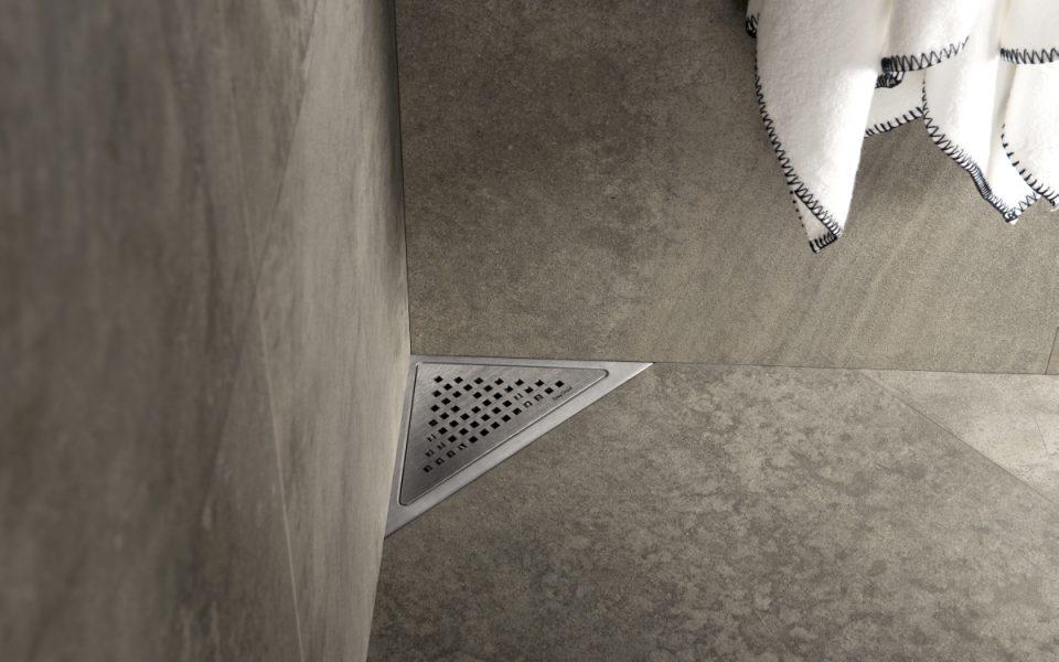 Scarichi doccia easy drain creare spazi unici - Piatto doccia triangolare ...